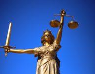 Justiz / Gesetz